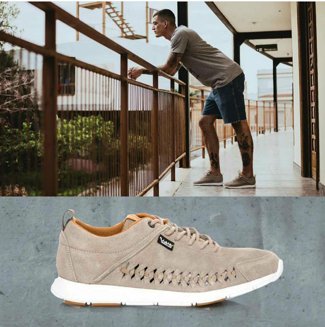 Para hombres que se salen de lo convencional!!! Estamos enamorados de estos Sneakers!!