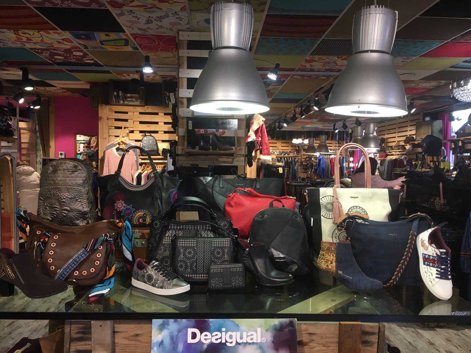 Desigual inunda nuestras tiendas!! Ven a ver la colección que hemos preparado para vosotr@s y déjate llevar por la creatividad de Desigual 👏👏👏 Ven a Soul of Mancebo y disfruta comprando!!! #desigual #bolsos #zapatos #complementos #moda #albacete