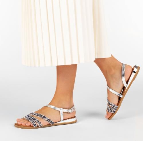 Con estas sandalias de Gioseppo irás perfecta todo el día!! Son puro estilo! 殺殺Ven a vernos y disfruta comprando!!!
